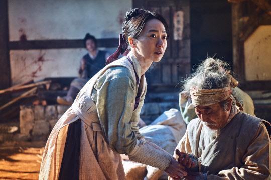 `킹덤`… 넷플릭스가 왔다, 한국안방 삼키나